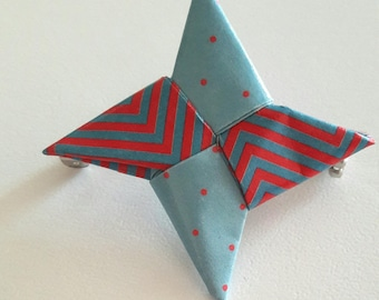 Brooch origami Shuriken pastel blue and Red