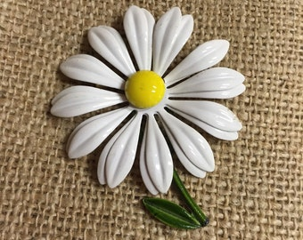 1970's metal Daisy Brooch