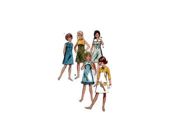 1960s Vintage Sewing Pattern - Butterick 3904 - Girls Empire Dress
