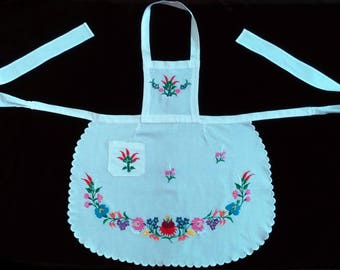 Vintage Hand Made Hungarian Kalocsa Floral Embroidered Apron From the 80s