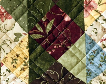 Table Runner - Simply Charming