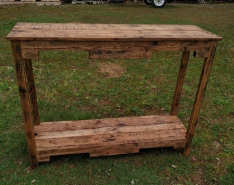 Reclaimed Pallet Wood Sofa Table  Vintage Rustic Look  UpCycled *FREE  SHIPPING*