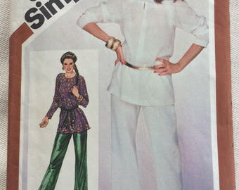 Simplicity 5322 - Misses' Jiffy Pullover tunic and Pull-on Pants - Sizes 10-12
