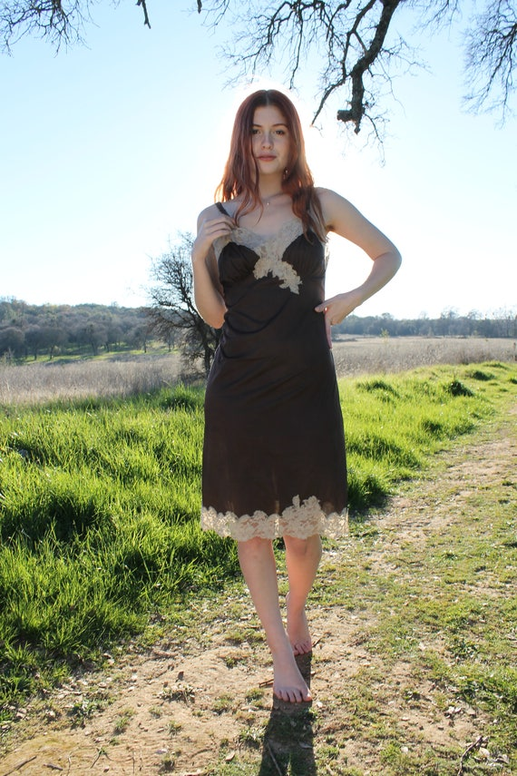 MAHOGANY Vintage 1950's Ecru Lace Slip Dress Feminine Lingerie Harvey Woods Size 34