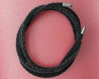 36 inch black suedette bola / bolo cord