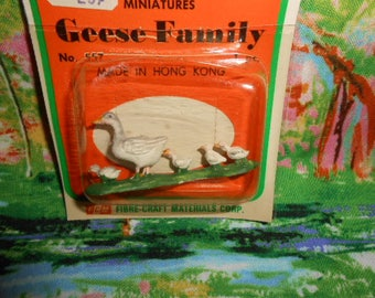 Fibre Craft Miniature Geese Family - Old Store Stock