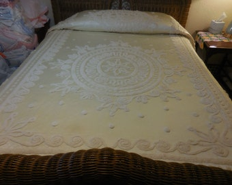 Sale - Gorgeous Ivory / Pale Yellow Vintage EVERWEAR SATIN and CHENILLE Bedspread - Free Shipping
