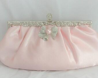 Blush Pink Pearl Bridal Clutch, Blush Bridal Handbag, Blush Pink Evening Clutch, Bridal Handbag, Wedding Clutch, Bridal Pearl Bow Clutch Bag