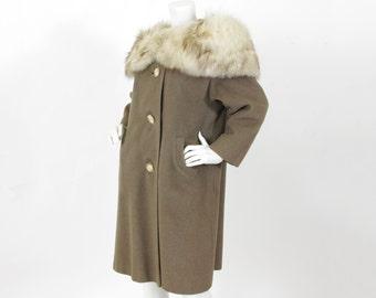 1950s Vintage Glamorous Dramatic Large Fox Fur Collar Taupe Wool Coat