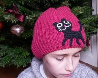 SALE -10% Girls cap with black cat embroidery knitted in pink warm wool - size : 21 to 22 ' - 5 to 10 years old