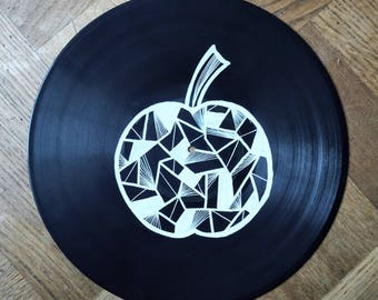 Art on vinyl - Abstract line drawing of an apple on a vinyl record