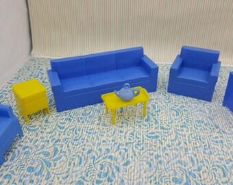 Marx Livingroom 6 Piece Furniture    Dollhouse Traditional Style Hard Plastic Blue  yellow sofa chair tv