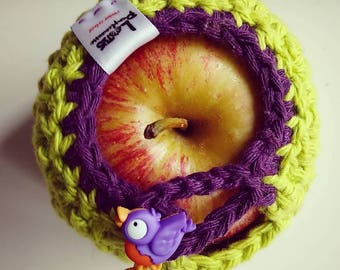 Apple cozy Handmade Crochet - apple cosy - Lunch bag buddy- Pomme et hibou coucou