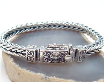 Unique  bracelet 925 sterling silver stylish clasp with safety