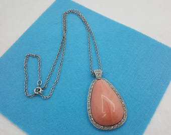 Avon Pale Fire  Necklace 1974 Pink large Pendant Sparkling