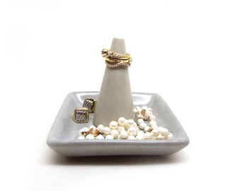 Jewelry Dish with Ring Cone/Ring Dish / Concrete / Ring Storage / Jewelry Storage / Catch All Dish / Minimal