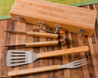 Personalized Grilling Set with Bamboo Case -  Personalized Grilling Tools - Grilling Set - Gifts for Dad - Gifts for Men - RO112