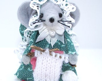 Felt Mice Knitter Handmade Needleworker Mouse Gray Miniature Whimsical Gift by Warmth