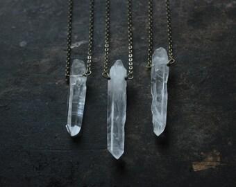 Quartz necklace,quartz pendant necklace,raw crystal necklace.raw stone necklace,healing crystal long necklace with pendant mens jewelry
