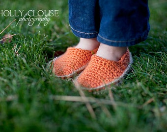 "Toms Crochet Pattern ""Canvas Shoes"" Sizes Baby to Child"