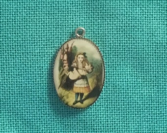 Alice in Wonderland/Alice with Pig Needle Minder