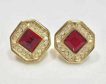 VINTAGE SPHINX clip earrings - red square