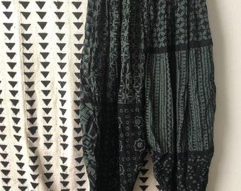 Vintage, 90s, harem pants, black, green, print