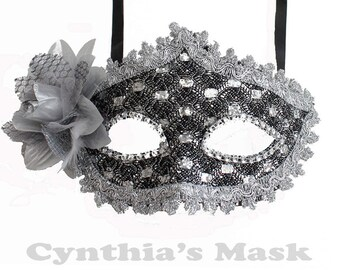 Gray Floral Mask w/Rhinestones and Glitter for Costume Masquerade Ball Dancing  SKU: BZ627E  (7N22)