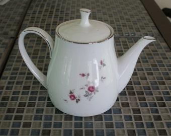 Noritake Garnet Rose Tea Pot
