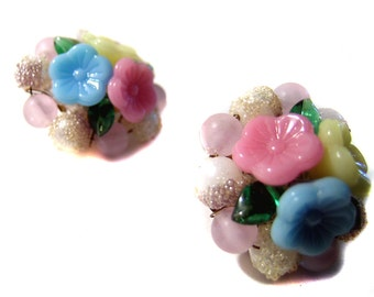Vintage Clip Earrings Flower Beads Pastel Colors jewelry