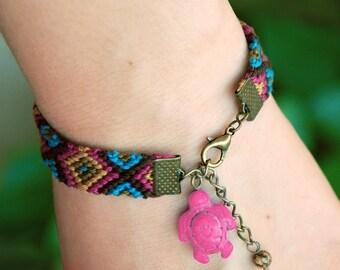 Southwest native turtle totem animal bracelet, Boho friendship macrame, Jasper nomad ethnic jewelry, Tribal woven cotton, Pink aztec chevron