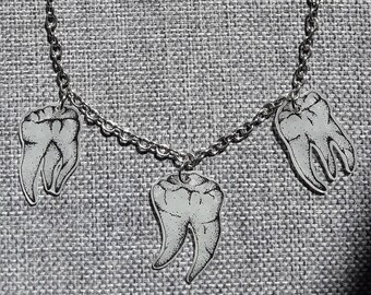 Teeth on a string, necklace, necklace