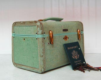 Vintage Samsonite train case. Antique luggage, cosmetic case, suitcase, photo prop.  Blue green with mirror.