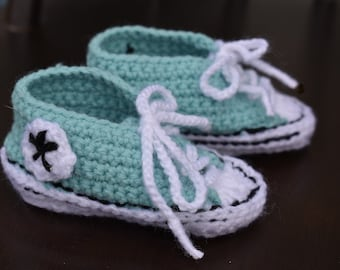 Baby Converse type bootees