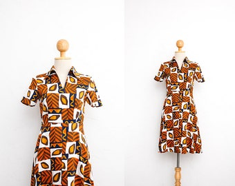 1960s Vintage Dress | Summer Cotton Shift Dress | Mod Twiggy Mini Dress | Tribal Novelty Print | Collared Dress | Handmade Dress | Day Dress