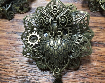 1 Steampunk Broach/Clip - Assorted Selection