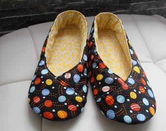 BOOTIES T36 black background, colored eggs