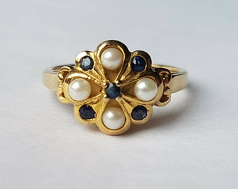 Reduced - Fabulous Pearl and Sapphire 9ct gold ring