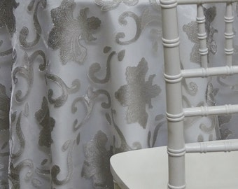 Fleur De Lis Tablecloth In Silver   Ideal For Weddings U0026 Bridal Events
