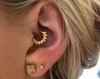 Gold or Silver Daith Earring, Cartilage Earring, Tragus Earring, Rook Earring, Helix Earring, Conch Earring, Daith Piercing, 18g Earring