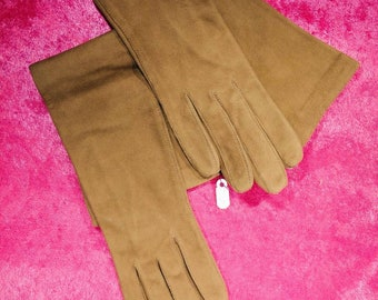 Kay Fuch's Vintage Brown Suede Kid Leather Gloves ~ Size 6/2