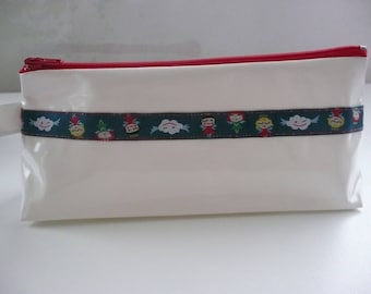 Kit in white oilcloth with pretty Ribbon N ° 5