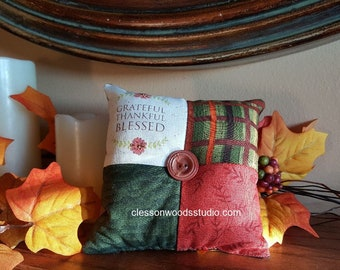 Grateful, Thankful, Blessed Fall Mini Pillow (FMP101)