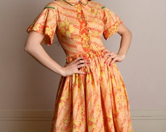 Vintage 1950s Floral Dress - Pastel Creamsicle Orange Flower Novelty Print Cotton Dress - Small Medium