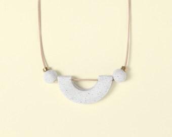 Necklace by Depeapa - Materia#02 - White granite