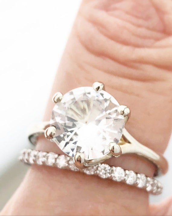 Natural 2.78 carat White Sapphire Ring 18k White GIA Certified