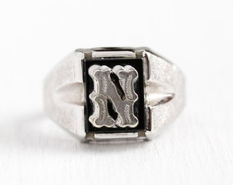 N Signet Ring - Vintage Sterling Silver Black Onyx Letter Statement - Retro 1960s Size 7 1/2 Initial Men's Statement 60s Vargas Jewelry
