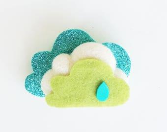 Handmade brooch with felt cloud. GREEN