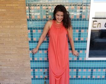 VINTAGE Maxi Dress 70s Crochet Neckline // Lounge Wear // Beach Dress / Medium