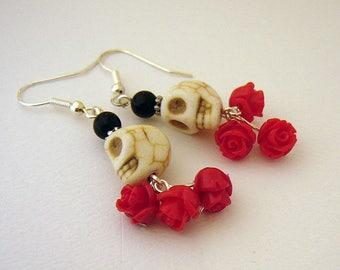 La Bruja Skull and Rose earrings